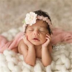 lawrenceville newborn photographer Paige Beni